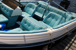 boat interior cleaning